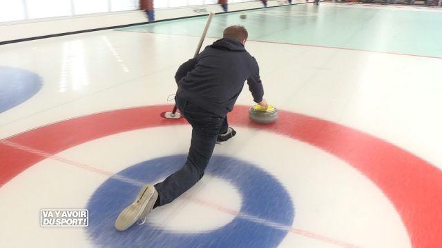 Roland Guex teste le curling