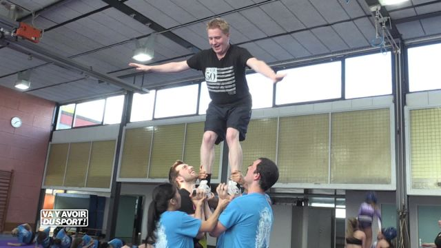 Cette semaine, Roland Guex teste le cheerleading