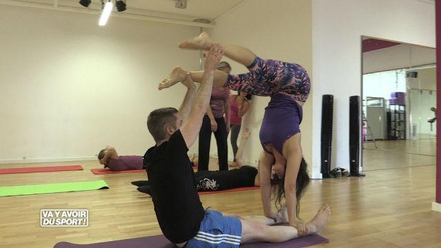 Cette semaine Roland Guex teste l'accro yoga à Crissier