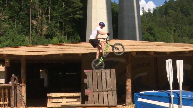 Zelda a testé le trial bike