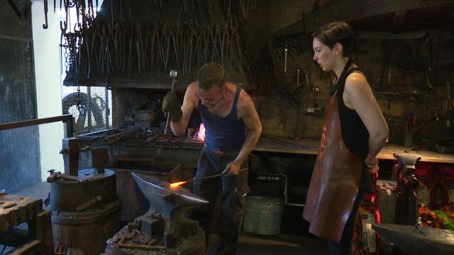 Virginie Gerhard a testé le métier de forgeron