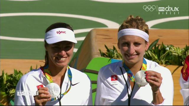 Timea Bacsinszky et Martina Hingis décrochent l'argent à Rio