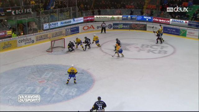 Fribourg-Gottéron perd face à Davos après avoir mené 3-0