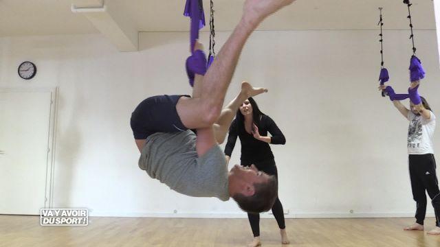 La tête à l'envers, Loïc teste le Yoga-Fly !