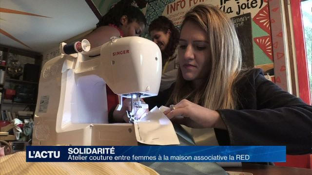 Atelier couture entre femmes à la maison associative la RED