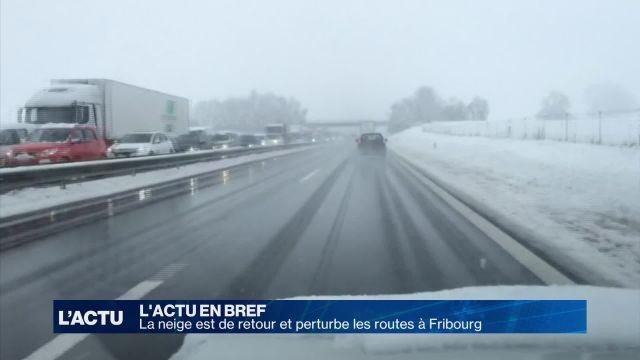 La neige est de retour et perturbe les routes fribourgeoises