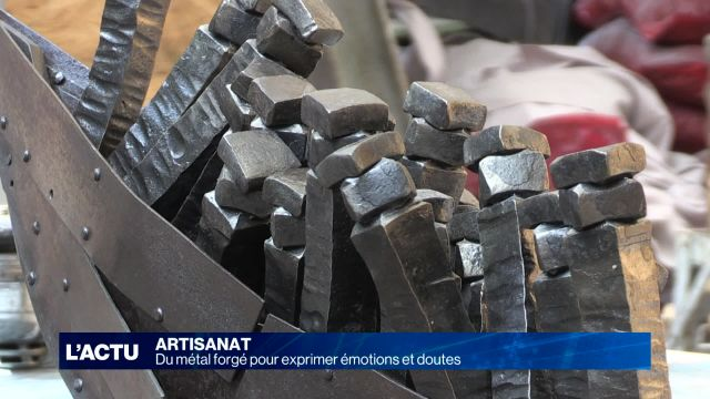 Du métal forgé pour exprimer des émotions et des doutes