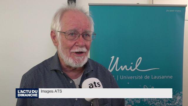 Jacques Dubochet reçoit son prix Nobel à Stockholm
