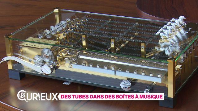 Des tubes dans des boîtes à musique