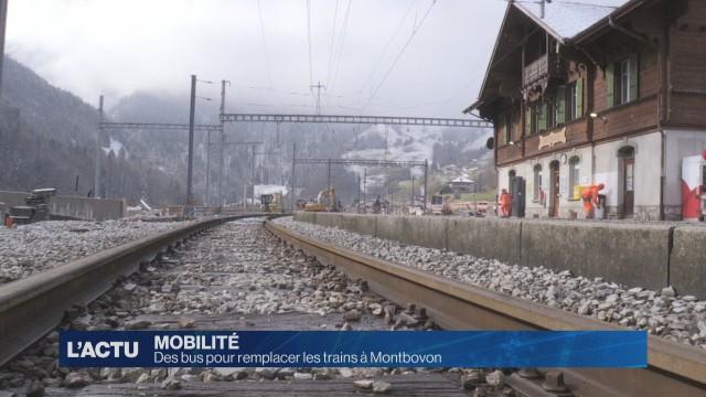 Des bus en gare de Montbovon
