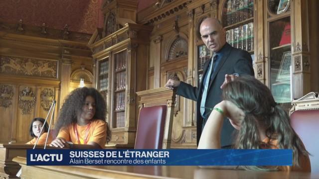 Alain Berset rencontre des enfants suisses de l'étranger