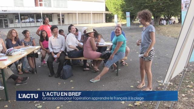 Succès pour l'opération apprendre le français à la plage