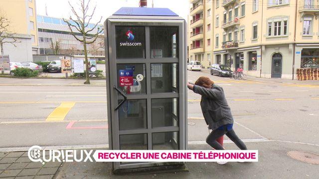 Recycler une cabine téléphonique