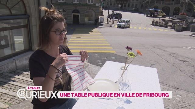 Une table publique en ville de Fribourg