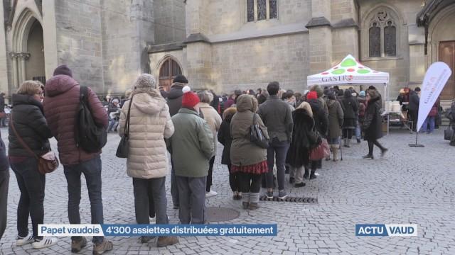 4300 assiettes de papet offertes dans la rue par GatsroVaud