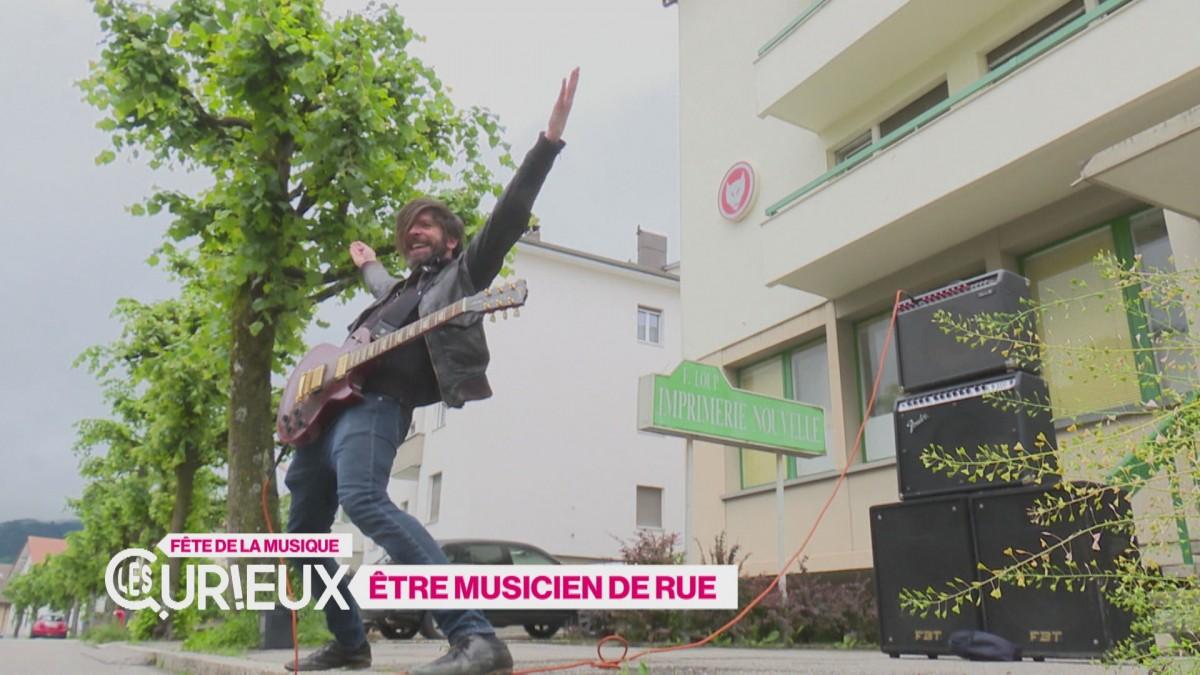 Faire de la musique de rue