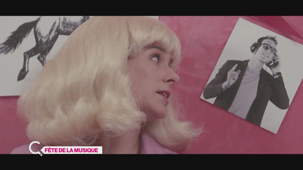 Anja chante dans Grease