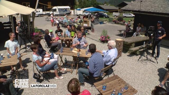 C'est l'été à la Télé visite le village de La Forclaz
