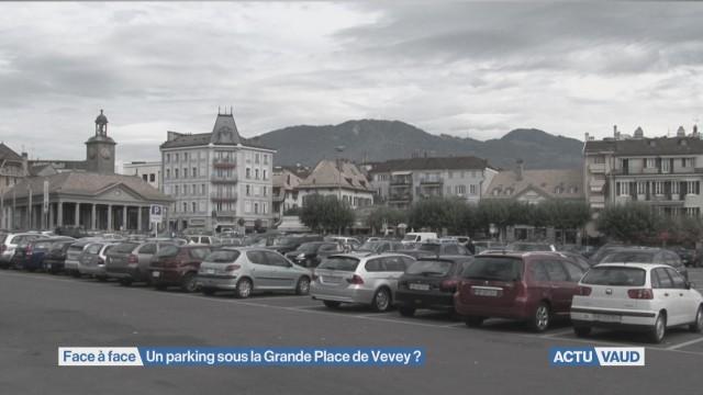 Débat sur la Place du Marché de Vevey
